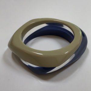 Vintage Lucite bangle bracelet - blue tan clear